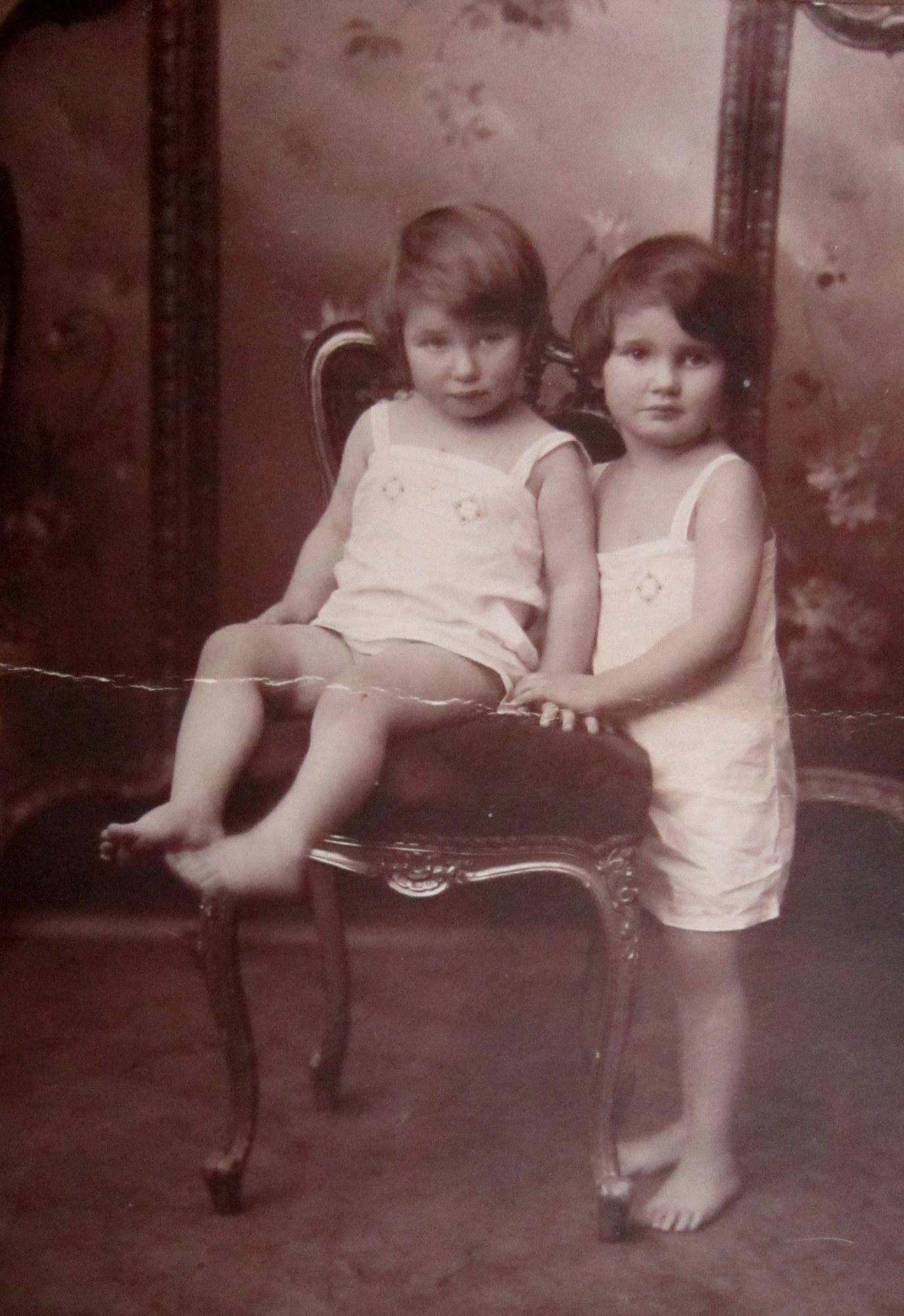 Sestry Editha a Ruth Mayerovi