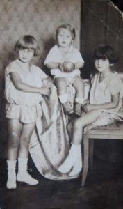Sourozenci Mayerovi (Editha, Jiří, Ruth)